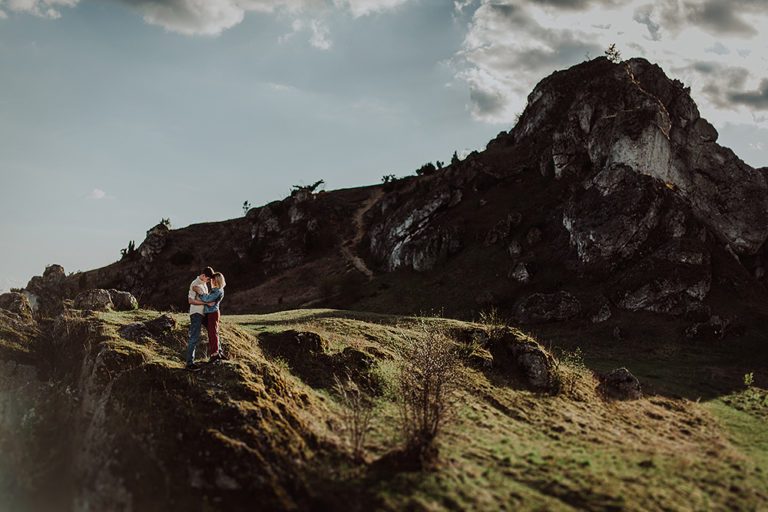 Sesja narzeczeńska na skałkach – Julia + Jacek