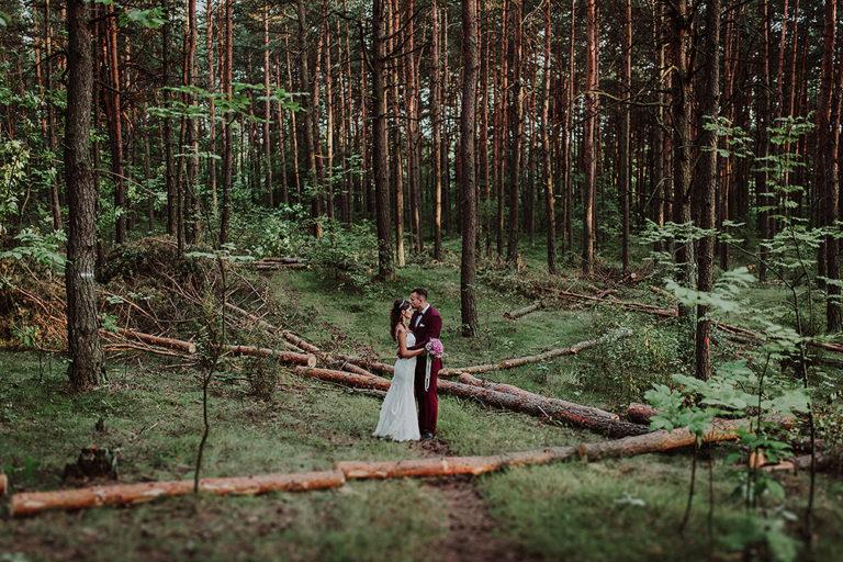 Leśna sesja ślubna – Kasia + Bartek