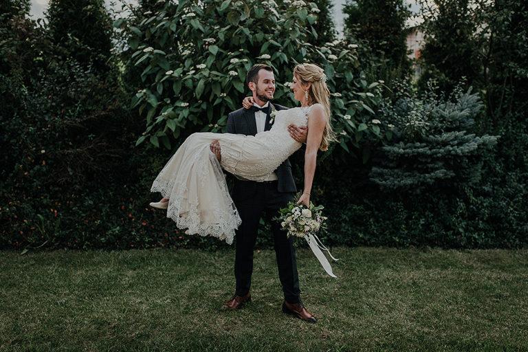 """Ślub w Restauracji """"Wiktoria"""" – Monika + Seweryn"""