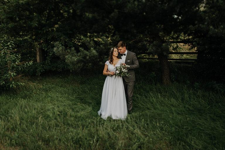 Ślub w przydomowym ogrodzie – Dorota + Bartek